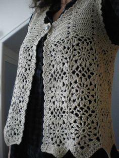 Fabulous Crochet a Little Black Crochet Dress Ideas. Georgeous Crochet a Little Black Crochet Dress Ideas. Crochet Bolero, Cardigan Au Crochet, Pull Crochet, Gilet Crochet, Mode Crochet, Crochet Diy, Crochet Jacket, Crochet Woman, Crochet Cardigan