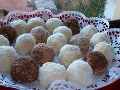 *Bombica me banane... -Përbërësit: 2 banane, 200 gr. kokos, 100 gr. sheqer pluhur, 200 gr. gjalpë, lëngu i një portokallit, kokos për lyerje. Përgatitja: Së pari bananet i shtypim mepiru dhe ja shtojm sheqerin, gjalpin e coptuar, lëngun e portokallit dhe kokosin të gjitha këto përzihen mirë dhe formojm toptha. Në fund i zhysim në kokos ose në...Read More