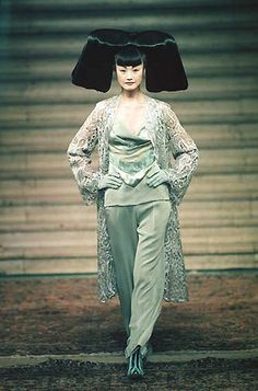 1997-98 McQueen 4 Givenchy Couture show