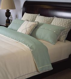 Abbey Ensemble Set (Super King) Find out about this and other well-crafted Thomasville furniture when you visit your nearest Thomasville retailer. There, our designers will help you realize the perfect home that you've always imagined. Linen Bedroom, Bedroom Bed, Bedroom Decor, Master Bedrooms, Mint Bedding, Boudoir, Thomasville Furniture, Dark Wood Furniture, Home Furnishing Stores