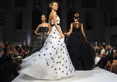 polka-dot wedding dress. Different :)