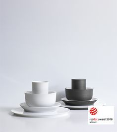 You are a fan of black and white? Have a look at OMNIA - DINING CULTURE RETHOUGHT #tableculture #porcelain #Manufaktur #Porzellan #Tafelkultur #Handmade
