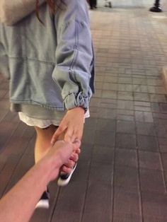 Image about love in Ulzzang Couples 💕 by HoneyPyuh Relationship Goals Pictures, Cute Relationships, Boyfriend Goals, Future Boyfriend, Cute Couple Pictures, Friend Pictures, Cute Couples Goals, Couple Goals, Tumblr Couples