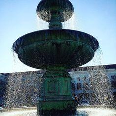 München #travelgram #münchen #munich #bavaria #bayern #entdeckebayern #meinbayern #ig_captures #ig_great_pics #ig_europe #igworldclub #igtravel #ig_deutschland #travel #fountain #brunnen #igworld #ic_landscape #water #igmasters