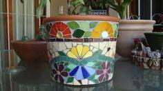 Resultado de imagen para imagenes de maceta con mosaicos