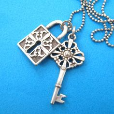 Lock and Skeleton Key Antique Charm Bracelet in Silver