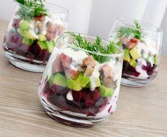 Een verrassende combi! Haringsalade met rode bietjes en avocado.