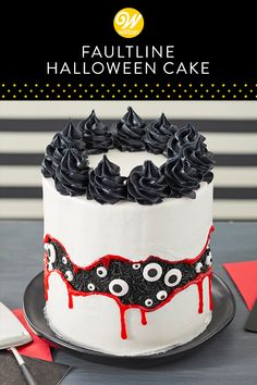 Eye spy, eye spy with my little eye—a Faultline Halloween Cake! Create an amazing optical illusion for your Halloween party with this striking dessert. Decorated with sprinkles, candy eyeballs, piping gel and buttercream, this cake may look challenging at Halloween Desserts, Bolo Halloween, Hallowen Food, Fete Halloween, Spooky Halloween, Halloween Treats, Halloween Birthday Cakes, Dessert Party, Earl Grey Kuchen