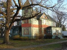 1892 Queen Anne - Blue Mound, IL - $159,897 - Old House Dreams