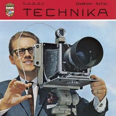 Classic advert for the Linhof Super Technika. History Of Photography, Photography Camera, Vintage Photography, Photography Tips, Old Cameras, Vintage Cameras, Evolution Of The Camera, Close Camera, Techno
