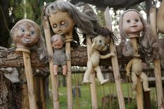 The 5 Freakiest Places on Earth #travel (Isla de las Muñecas - Xochimilco, Mexico City, Mexico)