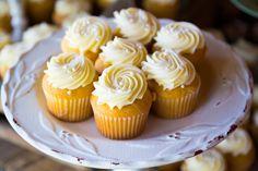 Este betún es muy rico y le puedes poner colorante para decorar todos tus cupcakes. También si buscas un betún blanco para decorar esta es tu opción.