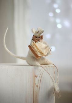Hey, I found this really awesome Etsy listing at https://www.etsy.com/listing/240710618/needle-felt-mouse-christmas-decoration