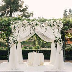 Garden goodness @victoriaweddings @mibellephotographers @ranchobernardoinn #blushwedding #blushbotanicals #blush #garden #gardenwedding #wedding #love #sandiegowedding #sandiego