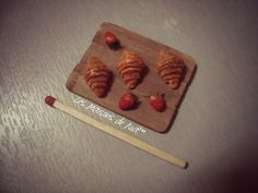 3 type of croissant cutting board - polymer clay realistic food #lesmaisonsdenia™