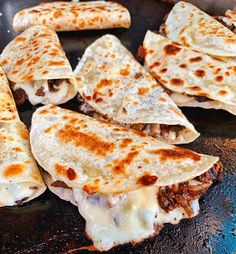 Taco time my dudes (pork onion cheese) - January 18 2019 at - Good - and Inspiration - Yummy Recipes Ideas - Paradise - - Vegan Vegetarian And Delicious Nutritious Meals - Weighloss Motivation - Healthy Lifestyle Choices Think Food, I Love Food, Good Food, Yummy Food, Tasty, Yummy Recipes, Eat This, Food Goals, Quesadillas