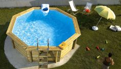 Wood surrounding above ground pool Mini Piscina, Hot Tub Backyard, Backyard Patio, Above Ground Pool, In Ground Pools, Outdoor Sauna, Outdoor Decor, Outdoor Spaces, Cheap Pool