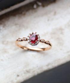 Two Tone Gold Blue Diamond Ring Vintage Engagement Ring Vintage Blue Diamond Ring - Fine Jewelry Ideas Ruby Engagement Ring Vintage, Diamond Engagement Rings, Ruby Ring Vintage, Ruby Wedding Rings, Ruby Ring Designs, Rose Gold Diamond Ring, Gold Ruby Ring, Wedding Anniversary Rings, Be Natural
