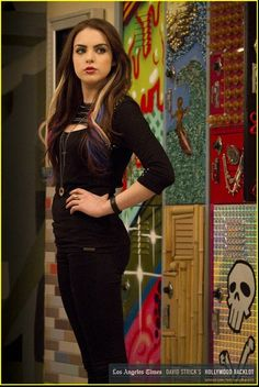 Liz Gillies is the best in this role
