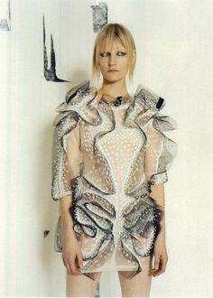 "opaqueglitter: ""Kirsten Owen wears dress by Richard Sorger, by Pierre Bailly for I-D. Geometric Fashion, 3d Fashion, Fashion Details, Autumn Fashion, Womens Fashion, Fashion Design, Couture Fashion, Fashion Ideas, Textiles"
