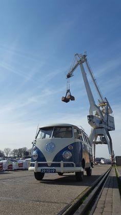 VW spijlbus te huur voor promotie fotoshoots trouwvervoer etc. www.blijebus.nl