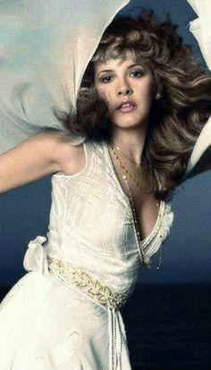 """Stevie Nicks is the high priestess of her own religion, ruling a world of prancing Gypsies, gold-dust princesses, and white-winged doves. Lindsey Buckingham, Buckingham Nicks, Divas, Stephanie Lynn, Stevie Nicks Fleetwood Mac, Women Of Rock, Look Vintage, Vintage Music, Vintage Vibes"