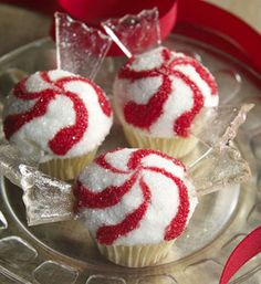 Peppermint Design for the holidays! I'm thinking chocolate cake w/ a peppermint buttercream.