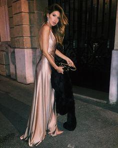 """1,077 Likes, 18 Comments - JULIANA (@julimizon) on Instagram: """"Bonne Année ✨ #Paris #2016"""""""