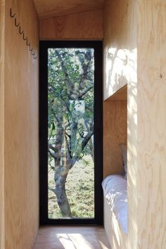 constructs self-contained 20 sqm prefab cabin in southwest france - Modern Prefab Cabins, Prefabricated Houses, Prefab Homes, Cabin Design, House Design, Container Cabin, New York Hotels, French Architecture, Wooden Cabins