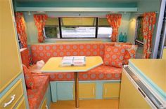 Bright vintage camper interior - love it Vintage Campers Trailers, Vintage Caravans, Camper Trailers, Horse Trailers, Rv Campers, Travel Trailer Interior, Camper Interior, Interior Design, Small Trailers For Sale