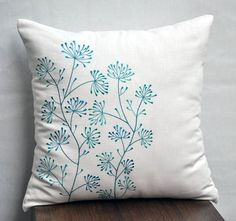 Cream Teal Pillow Cover, Decorative Pillow Cover, Throw Pilow cover, Cream Linen Pillow, Teal Ixora Embroidery, Floral, Modern                                                                                                                                                                                 Más
