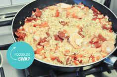 Foodblogswap: Arroz con Chorizo y Gambas Chorizo, Camping Meals, Camping Recipes, Potato Salad, Food And Drink, Favorite Recipes, Ethnic Recipes, Campingfood, Om