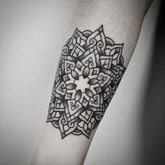 Mandala tattoo by @devo_tattoos .    #tattoo #blacktattoo #mandala #mandalatattoo #dotshading #