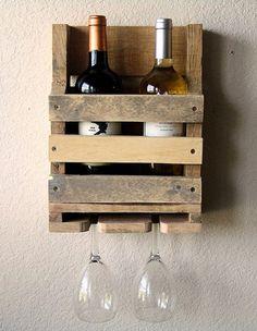 Display muito interessante para vinhos e taças!: