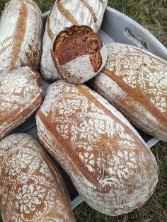 Truhlice: Podmáslový kváskový chléb - recept Bread Recipes, Food And Drink, Healthy Recipes, Cooking, Pickles, Diet, Kitchen, Bakery Recipes