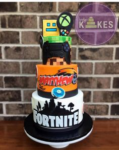 Fortnite Cake! 13th Birthday Parties, Birthday Party Tables, 10th Birthday, Birthday Cake, Thomas Birthday, Birthday Ideas, Wiggles Party, Cakes For Boys, Cute Cakes