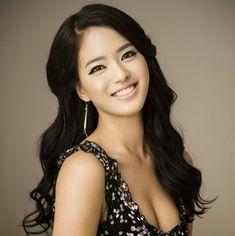 Ji Eun Han miss korea photo Turmeric Face Pack, Namjoon, Hoseok, South Korean Women, Plastic And Reconstructive Surgery, Miss Korea, Beauty Hacks For Teens, Skin Clinic, Korean Aesthetic