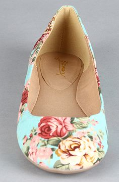 Karmaloop: Floral Flats.  I love the vintage feeling this print gives off!  And of course, I'm a sucker for the minty colour!