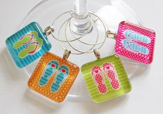 Cool flip flop wine charms - perfect for the first pool party of the year.