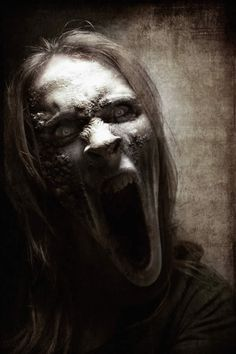 If i had a nightmare this creepy bitch would be after me and i wouldn't wake up cause i'd have a heart attack..