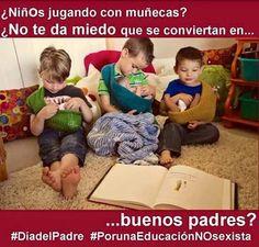 Niños jugando con muñecas #PorunaEducaciónNOsexista
