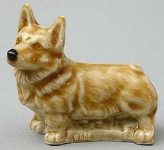 Wade Figurine — Welsh Corgi I have a tiny Wade corgi figurine. My sis-in-law (although an ex s-i-law) sent it to me from England. German Shepard Corgi, Fat Corgi, Fluffy Corgi, Red Rose Tea, Corgi Pictures, Corgi Funny, Purebred Dogs, Pembroke Welsh Corgi