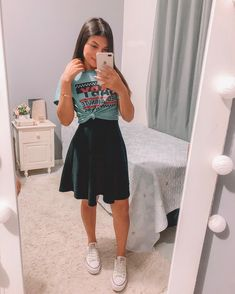 Christian girl tryin to be trendy Cute Church Outfits, Church Outfit For Teens, Cute Summer Outfits, Cute Casual Outfits, Modest Outfits, Skirt Outfits, Modest Fashion, Outfits For Teens, Spring Outfits
