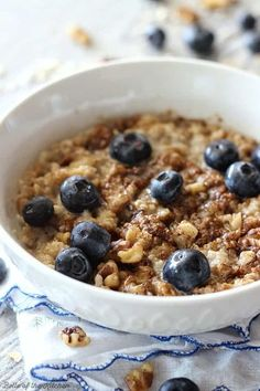 This Blueberry Streusel Muffin Oatmeal is a perfect morning pick me up! Packed with amazing flavor and easy to whip up!
