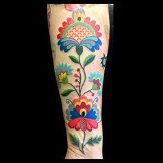 One side of Emilia's embroidered sleeve finished! Love doing this!! #tattoo #tatuering #malmötattoo #friisgatan #malört #malortmalmo #amandachanfreau #embroidery #embroiderytattoo #skånsktyllebroderi #art #tattrx #tattooersubmission #ladytattooers #textil #textiletattoo #colortattoo