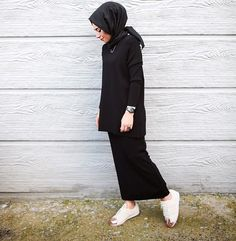 @ebruseverturk Hijab Casual, Hijab Chic, Hijab Outfit, Modest Wear, Modest Outfits, Chic Outfits, Muslim Fashion, Modest Fashion, Korean Fashion