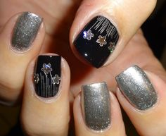 Wendy's Delights: Silver Flowers from Charlies Nail Art @charliesnart
