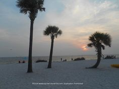 Gorgeous sunset at Fred Howard Park in Tarpon Springs, Florida