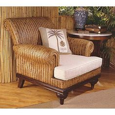This is rattan furniture, something very common in British colonial interior design. Tropical Home Decor, Tropical Style, Tropical Houses, Tropical Furniture, Tropical Interior, Tropical Colors, West Indies Decor, West Indies Style, Caribbean Decor