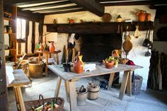 The Kitchen~Mary Arden's Farm Tudor Kitchen, Colonial Kitchen, Rustic Kitchen, Arden House, Tudor Decor, Old Fireplace, Primitive Homes, Timber House, Beautiful Interiors